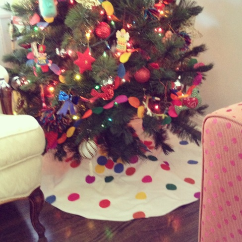 I made this tree skirt, inspired by one I saw from The Land of Nod.